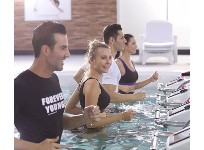 Спа-бассейн с беговой дорожкой на 4 человека
