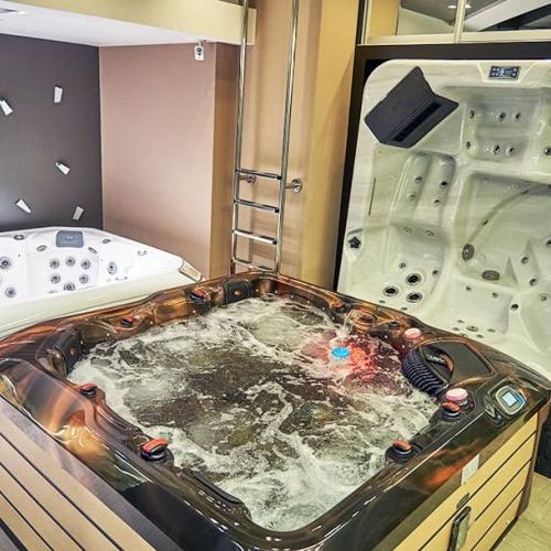 Выставочный зал спа бассейнов!